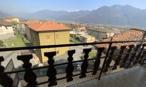 Trilocale Costa Volpino 130025 balcone